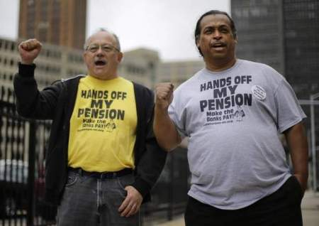 Detroit retirees at rally earlier this month (AP photo/Paul Sancya)